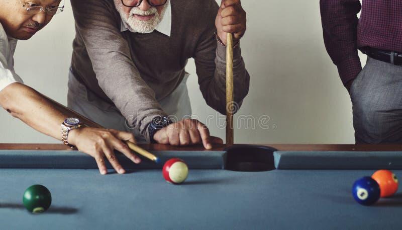 Πυροβοληθείσα έννοια παιχνιδιών ομάδας ελεύθερου χρόνου λεσχών σφαιρών μπιλιάρδου αθλητισμός στοκ φωτογραφία
