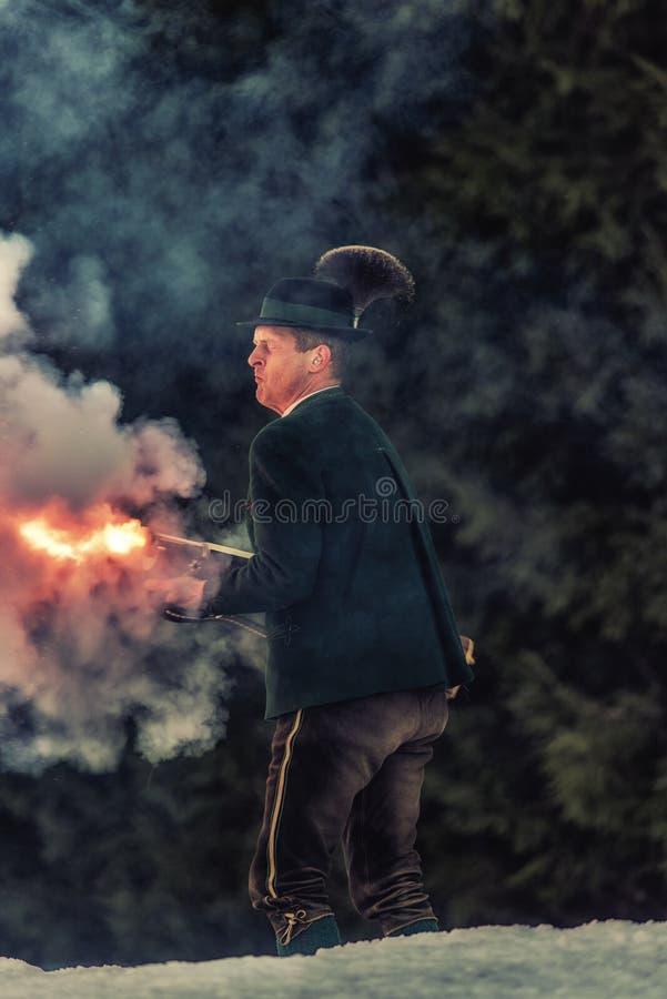 Πυροβολισμός που εκτελείται εορταστικός από τους σκοπευτές από το Associati στοκ φωτογραφία με δικαίωμα ελεύθερης χρήσης