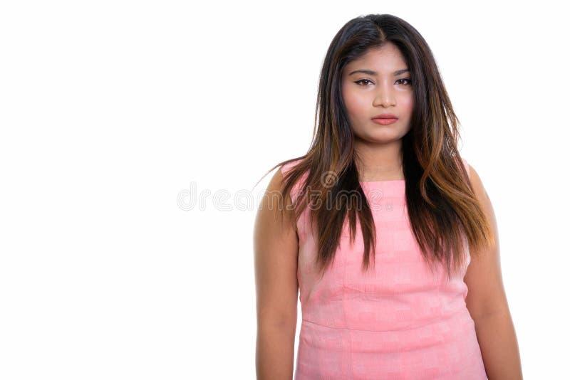 Πυροβολισμός στούντιο του νέου παχιού περσικού έφηβη που απομονώνεται ενάντια στο W στοκ φωτογραφία με δικαίωμα ελεύθερης χρήσης
