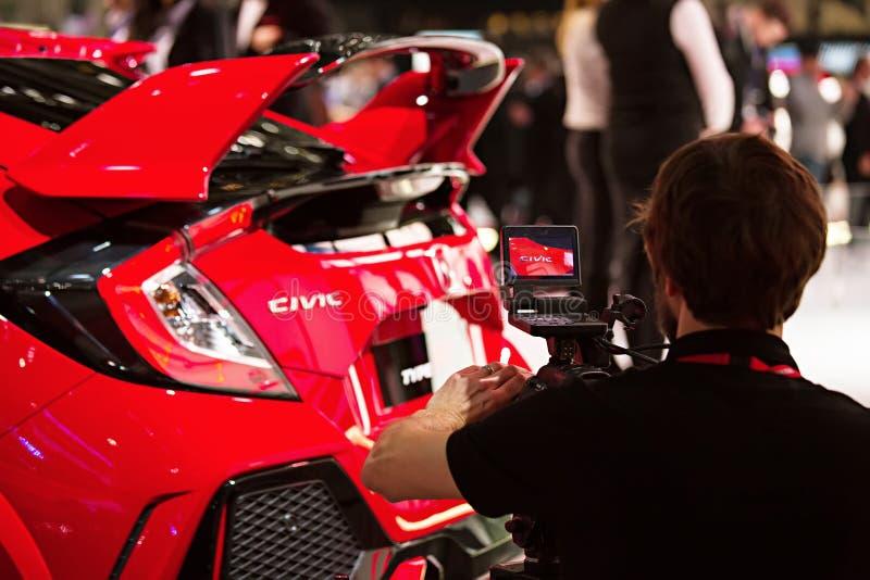 Πυροβολισμός Honda Civic χειριστών στη Γενεύη διεθνές Motorshow στοκ εικόνα με δικαίωμα ελεύθερης χρήσης