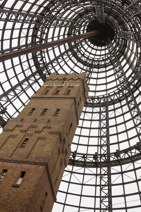 Πυροβοληθείς πύργος κοτετσιού στη Μελβούρνη κεντρική στοκ εικόνες