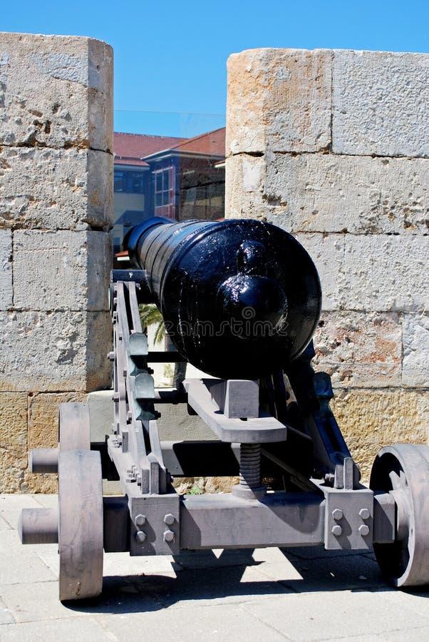 Πυροβόλο κατά μήκος του ενισχυμένου τοίχου, Γιβραλτάρ στοκ φωτογραφία με δικαίωμα ελεύθερης χρήσης