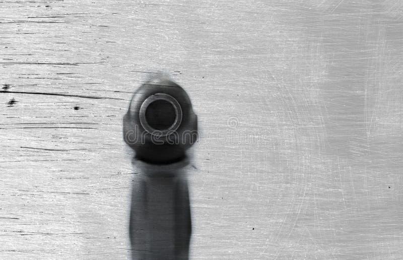 Πυροβόλο όπλο πυροβόλων σε ένα υπόβαθρο και μια σύσταση στοκ εικόνες