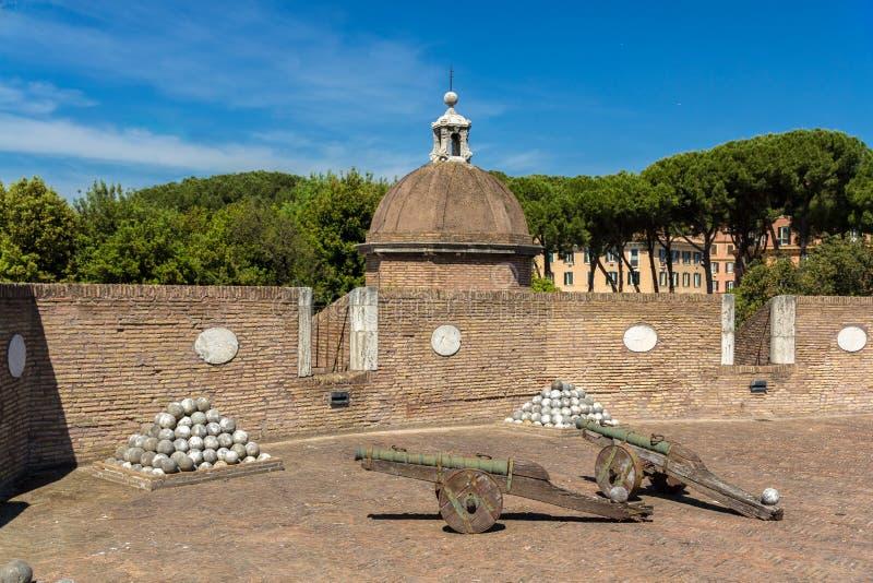 Πυροβόλα σε Castel Sant'Angelo, Ρώμη, Ιταλία στοκ φωτογραφία