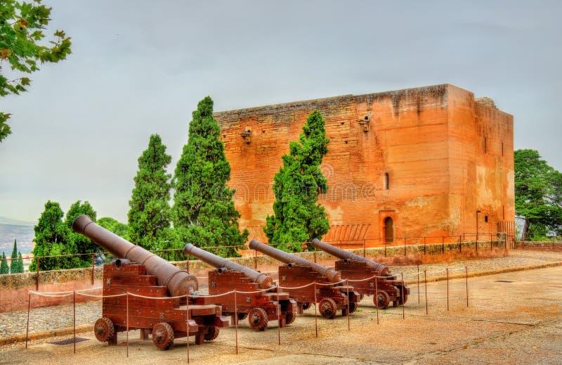 Πυροβόλα Alhambra στο φρούριο στη Γρανάδα, Ισπανία στοκ φωτογραφίες με δικαίωμα ελεύθερης χρήσης