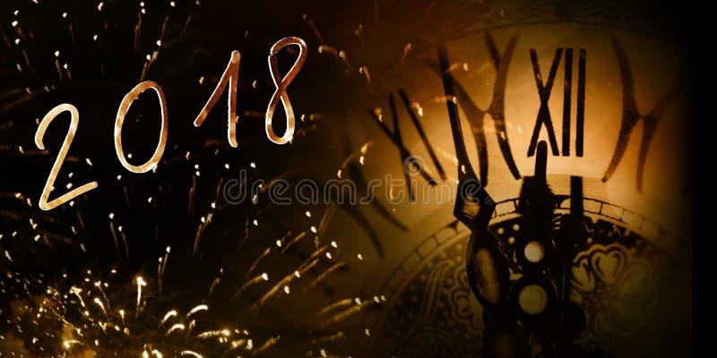 Πυροτεχνήματα με έναν αριθμό ρολογιών και έτους στοκ φωτογραφία με δικαίωμα ελεύθερης χρήσης