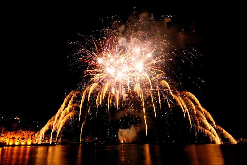Πυροτεχνήματα πέρα από τη θάλασσα Rapallo, αυτό στοκ φωτογραφία