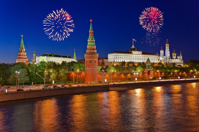 Πυροτεχνήματα πέρα από το Κρεμλίνο στη Μόσχα στοκ φωτογραφία