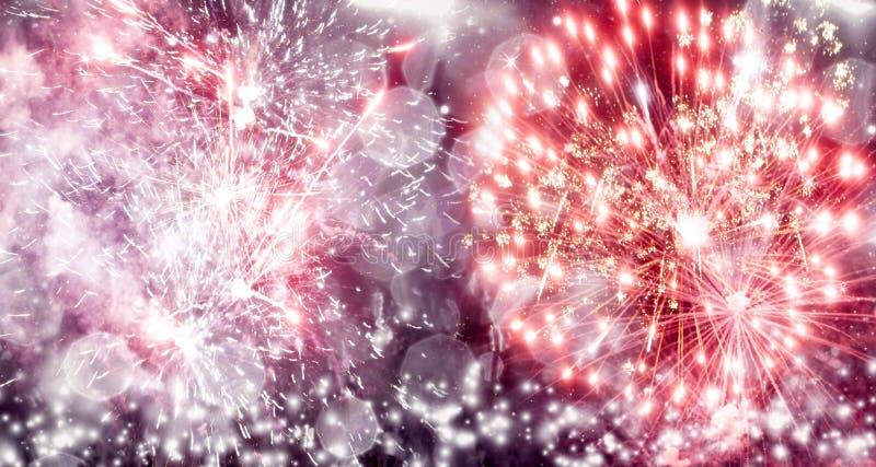Download Πυροτεχνήματα στο νέο έτος στοκ εικόνα. εικόνα από έξυπνο - 62700007
