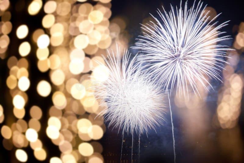πυροτεχνήματα στο νέο διάστημα έτους και αντιγράφων - αφηρημένο υπόβαθρο διακοπών στοκ φωτογραφίες με δικαίωμα ελεύθερης χρήσης