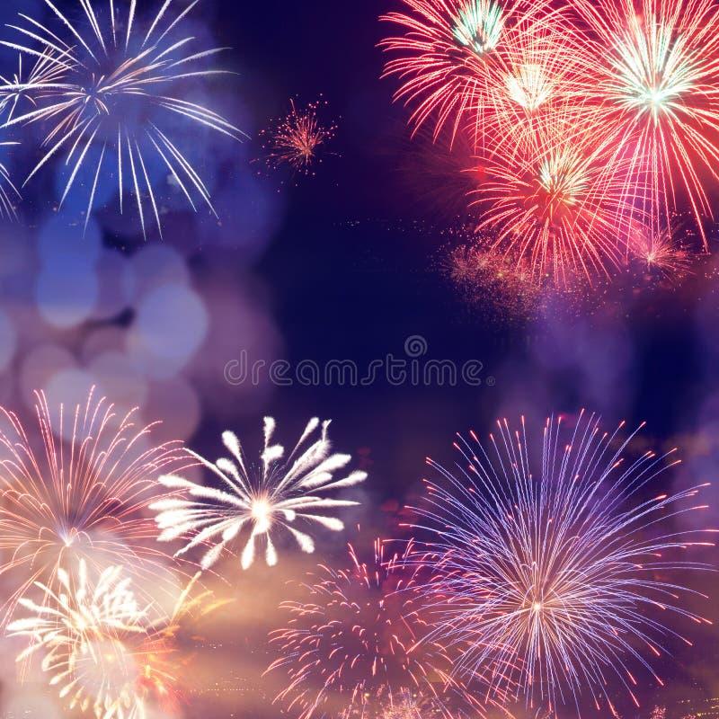 πυροτεχνήματα στο νέο διάστημα έτους και αντιγράφων - αφηρημένο υπόβαθρο διακοπών στοκ εικόνες με δικαίωμα ελεύθερης χρήσης