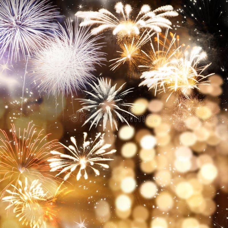 πυροτεχνήματα στο νέο διάστημα έτους και αντιγράφων - αφηρημένο υπόβαθρο διακοπών στοκ φωτογραφία