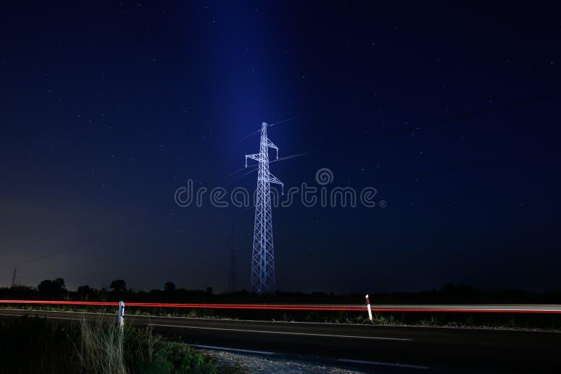 Πυλώνας και κυκλοφορία στοκ φωτογραφίες με δικαίωμα ελεύθερης χρήσης