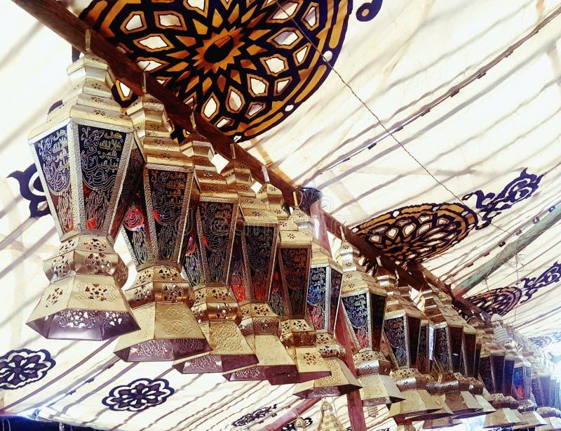 Πωλήσεις αγοράς φαναριών Ramadan kareem Φωτογραφία, καμία στοκ φωτογραφία
