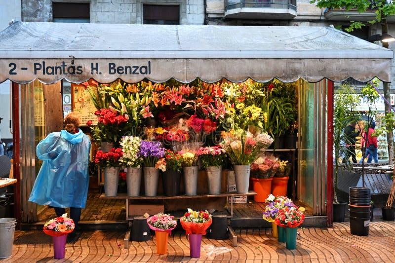 Πωλητής λουλουδιών στο Λα Rambla στοκ εικόνες
