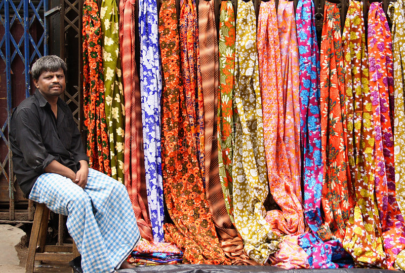 πωλητής της Sari στοκ φωτογραφία με δικαίωμα ελεύθερης χρήσης