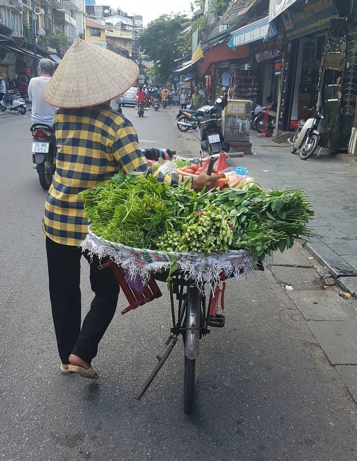 Πωλώντας πράσινο λαχανικό στοκ φωτογραφία με δικαίωμα ελεύθερης χρήσης