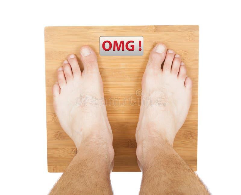 Πόδια ατόμων στην κλίμακα Λέξη OMG στοκ εικόνα με δικαίωμα ελεύθερης χρήσης