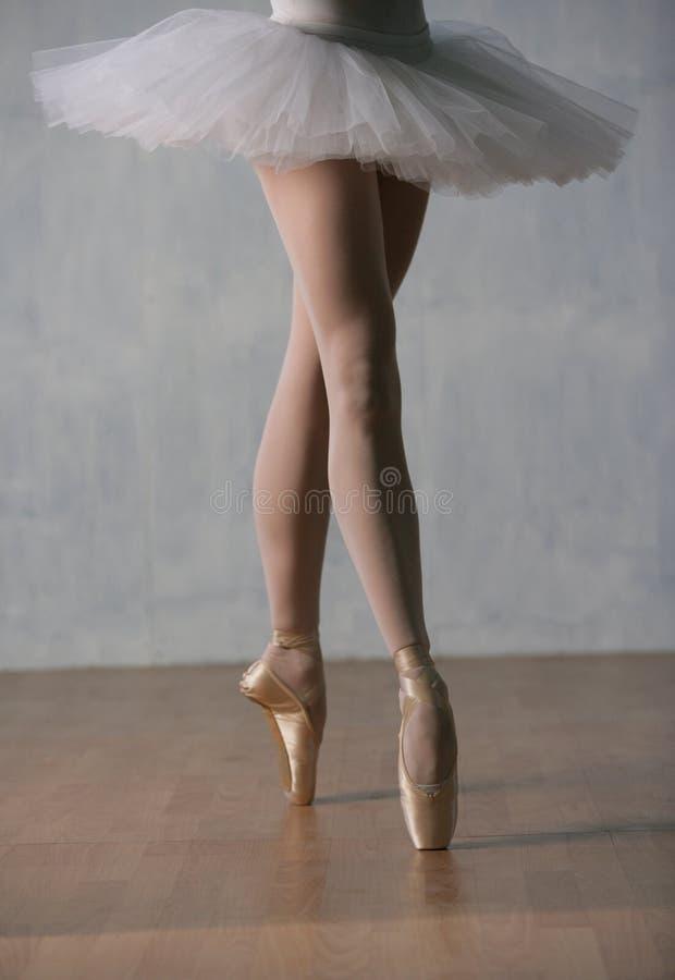 πόδια s χορευτών στοκ εικόνα