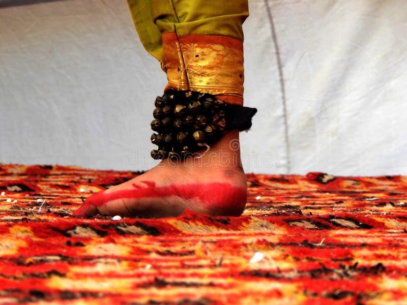 Πόδι ενός ινδικού κλασσικού χορευτή στοκ εικόνες
