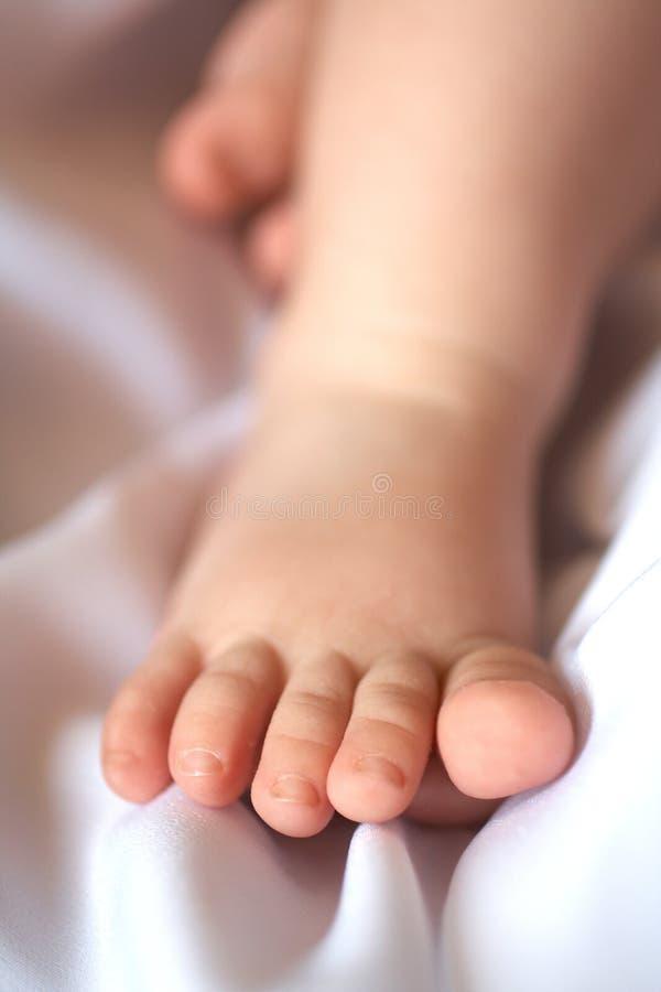 Download πόδι s παιδιών στοκ εικόνα. εικόνα από δάχτυλο, childhood - 13188817