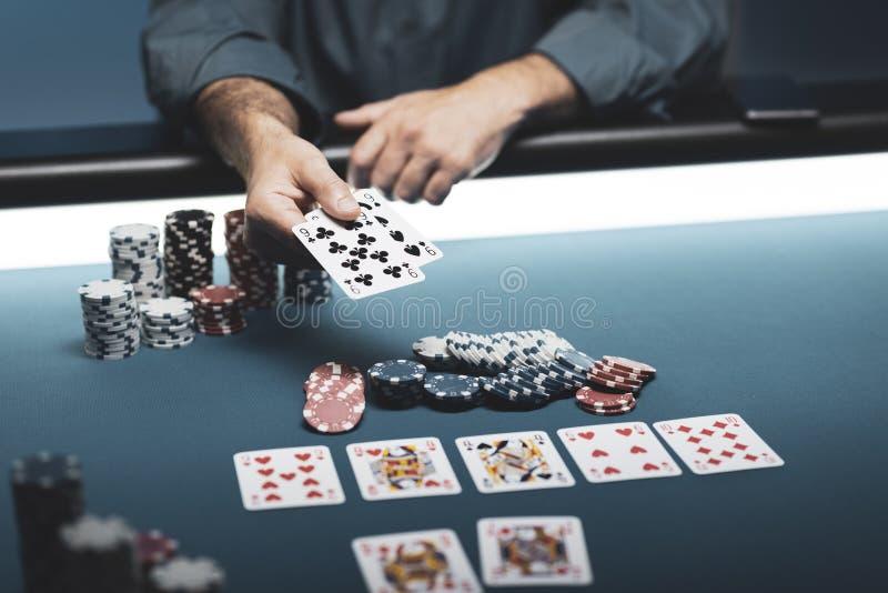 Πόκερ στη χαρτοπαικτική λέσχη στοκ εικόνα με δικαίωμα ελεύθερης χρήσης