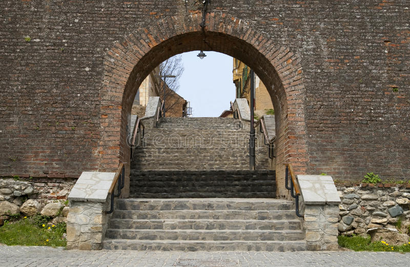 πόλης τοίχος του Sibiu εισόδ&omeg στοκ εικόνες