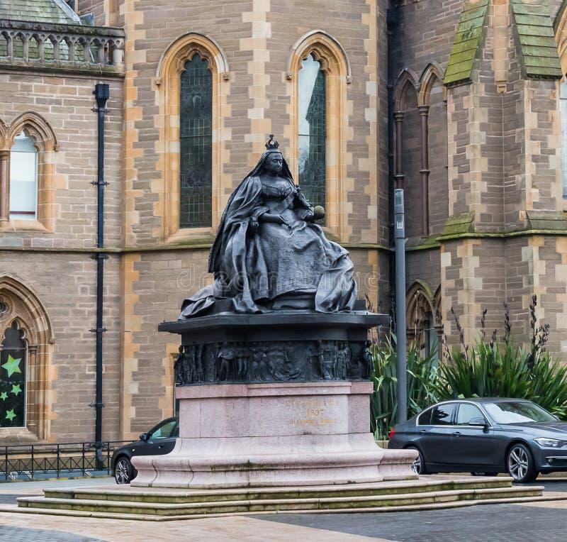 Πόλη & βασίλισσα Victoria ` s άγαλμα του Dundee στην πλατεία Αλμπέρτα στοκ εικόνες