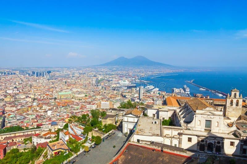 Πόλη, Βεζούβιος και Κόλπος Napoli της Νάπολης, Ιταλία στοκ εικόνα