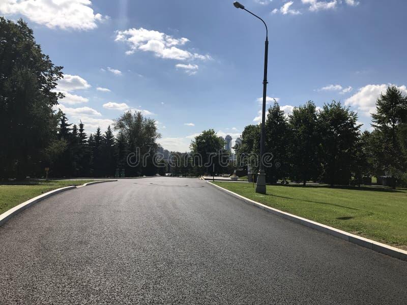 Πόλη νίκης οδικών πάρκων θερινής ημέρας της Μόσχας στοκ φωτογραφίες με δικαίωμα ελεύθερης χρήσης