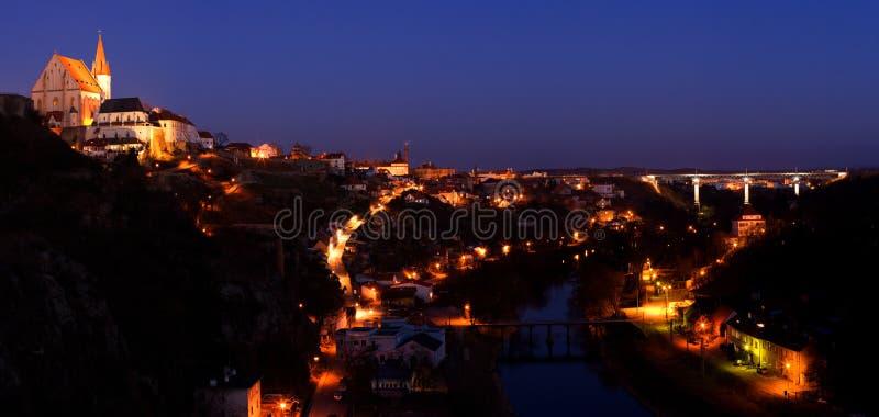 Πόλη νύχτας (Τσεχία - Znojmo) στοκ φωτογραφία