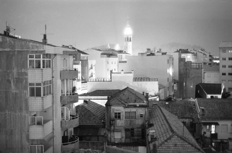 Πόλη στη νύχτα, γραπτός πυροβολισμός των προαστίων κωμοπόλεων της Λατινικής Αμερικής, Πόρτο στοκ φωτογραφία με δικαίωμα ελεύθερης χρήσης