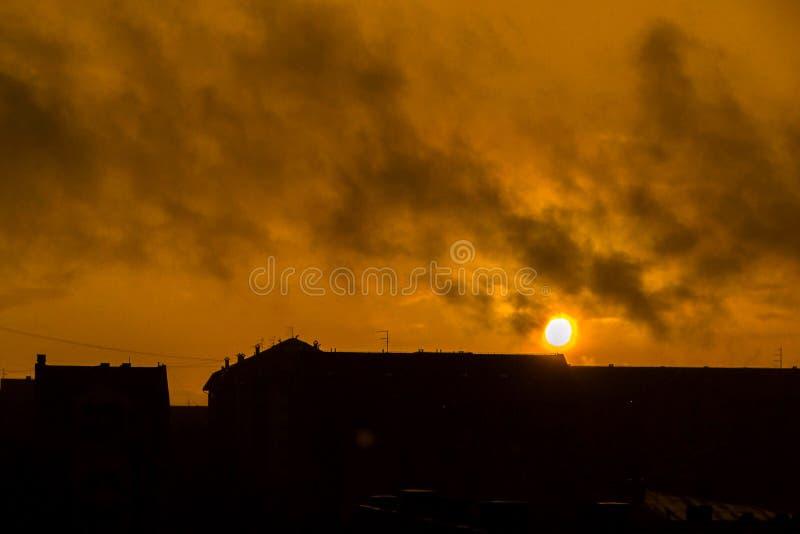 Πόλη στο ηλιοβασίλεμα στοκ φωτογραφίες