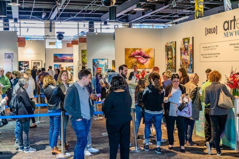Πόλη της Νέας Υόρκης, Μανχάταν, Ηνωμένες Πολιτείες - 7 Απριλίου 2019 Artexpo Νέα Υόρκη, σύγχρονος και σύγχρονη τέχνη παρουσιάζει, στοκ φωτογραφίες με δικαίωμα ελεύθερης χρήσης