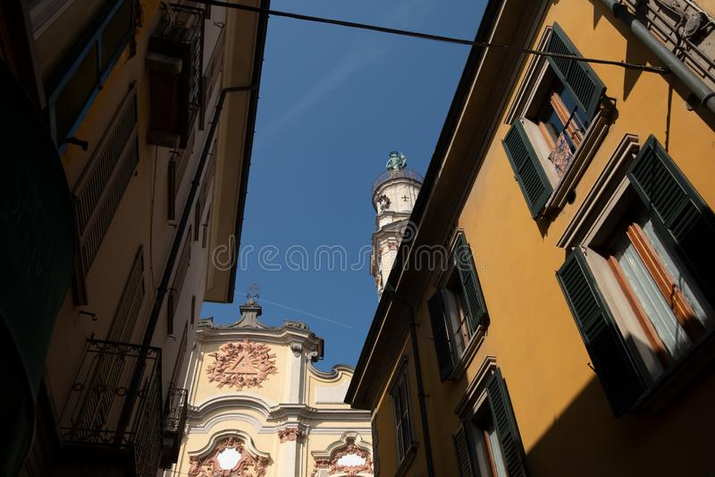 Πόλη της Crema - ιστορικό κέντρο με την εκκλησία Chiesa Santissima Trinità Λομβαρδία βόρεια ιταλία στοκ εικόνες