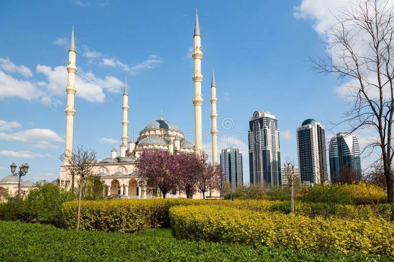 Πόλη του Γκρόζνυ και το μουσουλμανικό τέμενος η καρδιά Τσετσενίας στοκ εικόνες