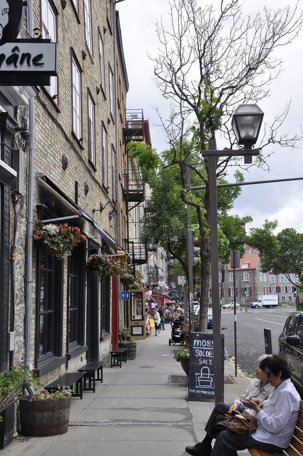 Πόλη του Κεμπέκ, στις 28 Ιουνίου: Ζωηρόχρωμα πέτρινα σπίτια από τη λεωφόρο Champlain της πόλης του Κεμπέκ στον Καναδά στοκ φωτογραφίες με δικαίωμα ελεύθερης χρήσης