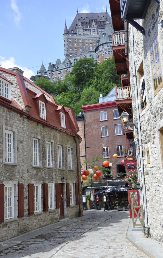 Πόλη του Κεμπέκ, στις 28 Ιουνίου: Ζωηρόχρωμα πέτρινα σπίτια από τη rue Sous le Fort της πόλης του Κεμπέκ στον Καναδά στοκ φωτογραφίες με δικαίωμα ελεύθερης χρήσης