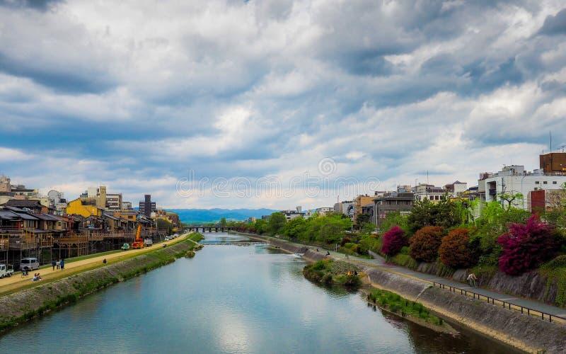 Πόλη του Κιότο ποταμών Kamogawa στοκ εικόνα με δικαίωμα ελεύθερης χρήσης