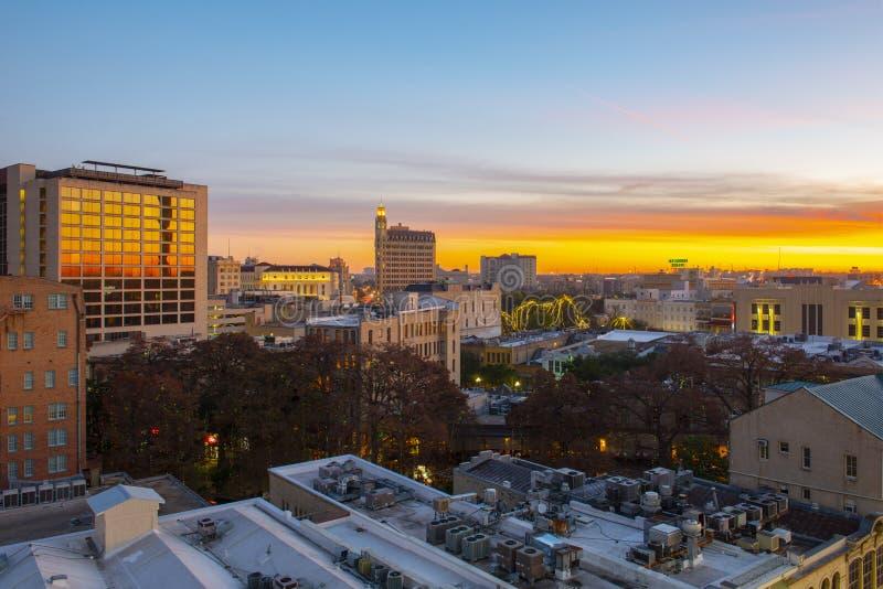 Πόλη του San Antonio στο λυκόφως ανατολής, Τέξας, ΗΠΑ στοκ φωτογραφίες