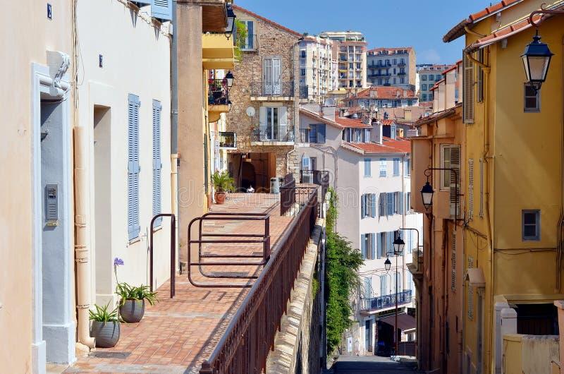 Πόλη των Καννών, παλαιές οδοί των ανώτερων Καννών, Γαλλία στοκ εικόνες