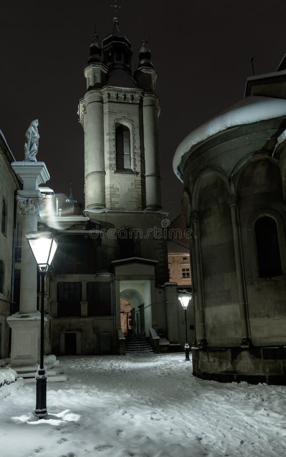 Πόλη χειμερινού Lviv λυκόφατος, Ουκρανία στοκ εικόνα με δικαίωμα ελεύθερης χρήσης