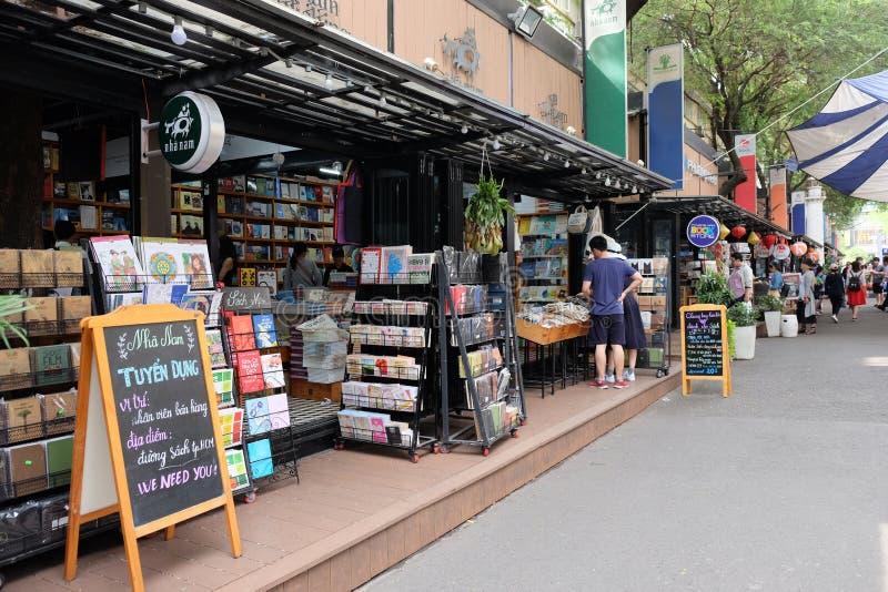 Πόλη Χο Τσι Μινχ, Βιετνάμ - 29 Απριλίου 2018: Οδός βιβλίων πόλεων Χο Τσι Μινχ με πολύ βιβλιοπωλείο στο κέντρο της πόλης στο φορτη στοκ εικόνες