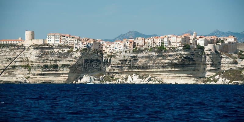 Πόλη Bonifacio και απότομοι βράχοι, νησί της Κορσικής, Γαλλία στοκ φωτογραφία με δικαίωμα ελεύθερης χρήσης