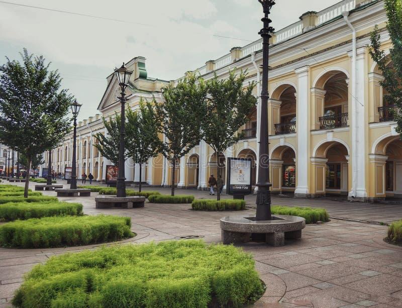 Πόλη sankt-Πετρούπολη που χτίζει το εξωτερικό ταξίδι αρχιτεκτονικής στοκ φωτογραφίες