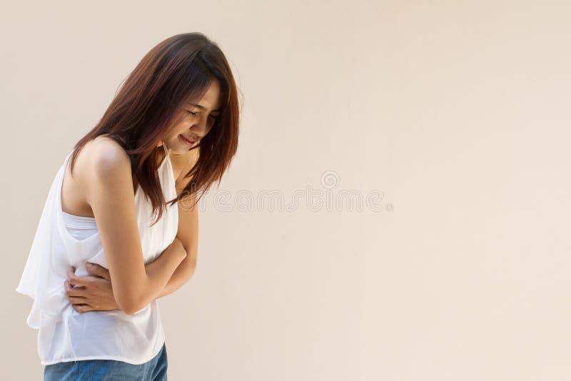 Πόνος εμμηνόρροιας ή πόνος στομαχιών στοκ φωτογραφία με δικαίωμα ελεύθερης χρήσης