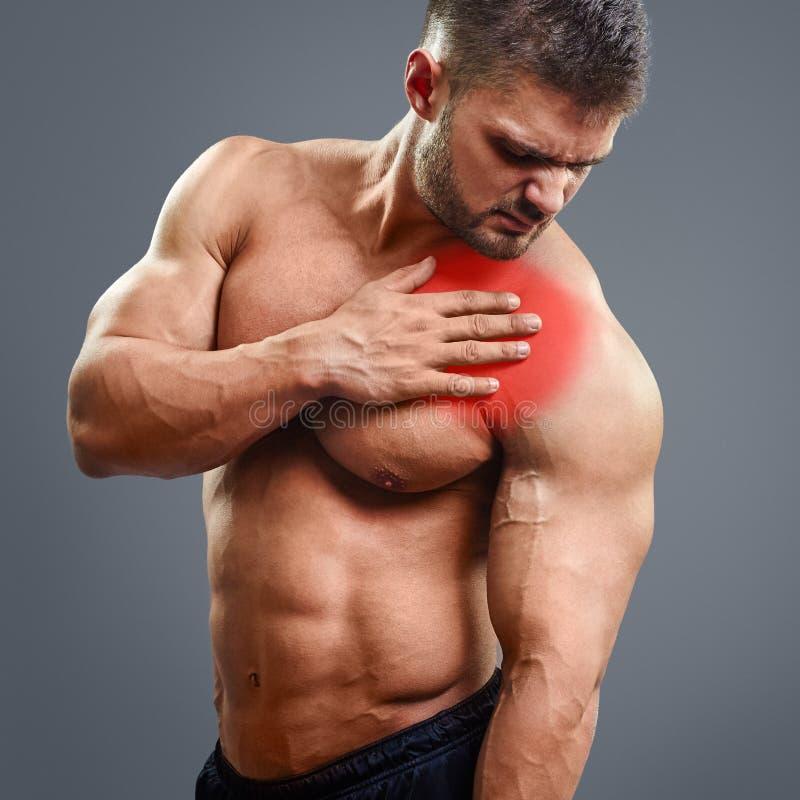 Πόνος καρδιών ατόμων μυών Ahtletic στοκ φωτογραφία με δικαίωμα ελεύθερης χρήσης