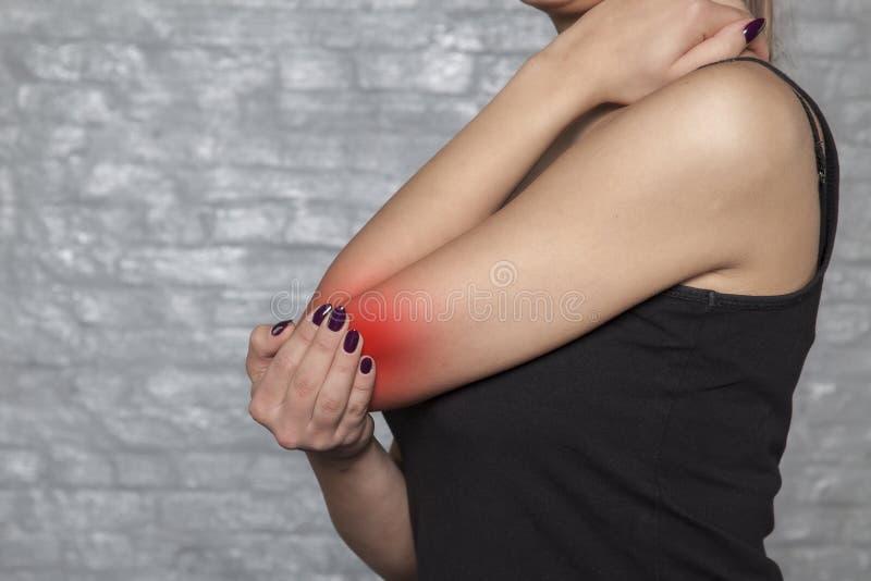 Πόνος στη λύμφη, προβλήματα με τις ενώσεις στοκ φωτογραφία