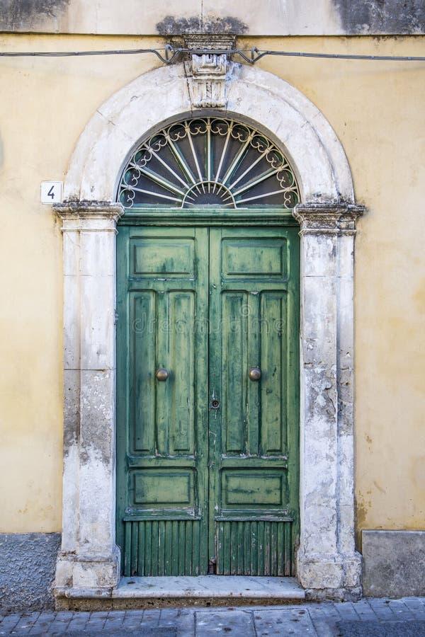 Πόρτα από τη Σικελία στοκ φωτογραφία με δικαίωμα ελεύθερης χρήσης