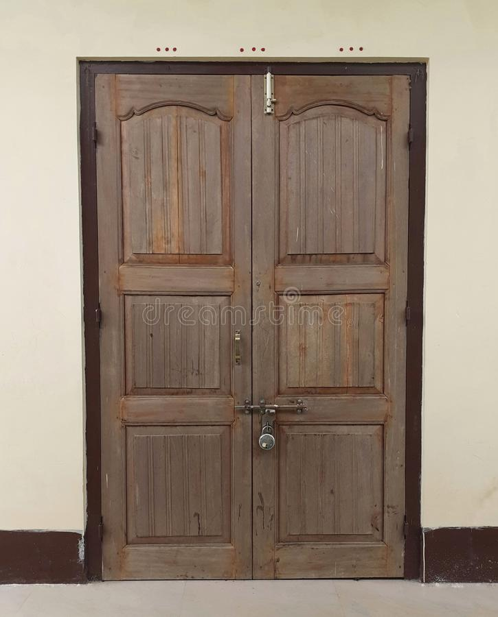 Πόρτα ενός ναού στην Ινδία στοκ εικόνες